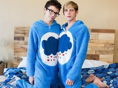 Nice Onesie Fellows Get Highly Messy! - Cameron Hilander & Kyle Rhodes