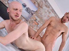 Kieron Needs His Crevice Packed! - Kieron Knight & Gabriel Phoenix