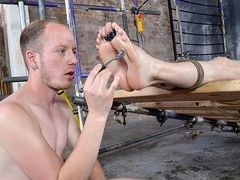 His Twunk Soles Are Superb For Stroking - Kamyk Walker & Sean Taylor